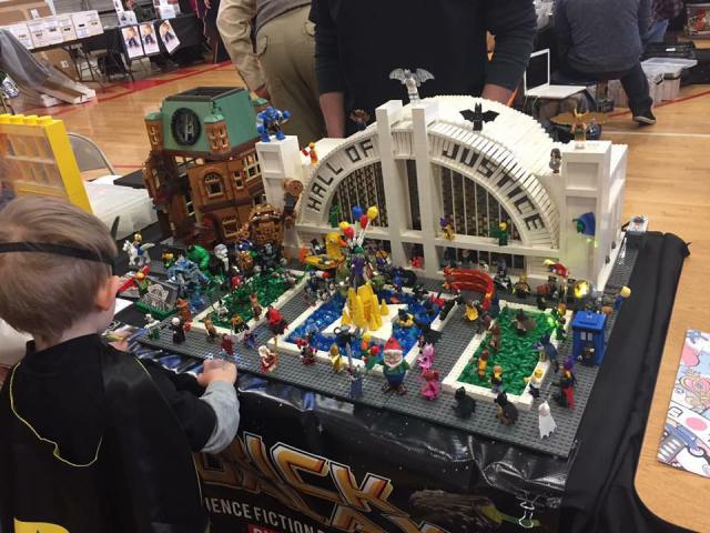 Comic Con 2017 Hall Of Justice Legos